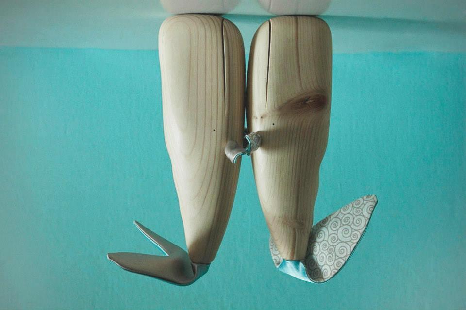 poleno balene animali legno - wood toys whales