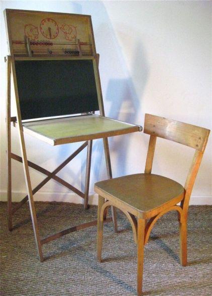 vintage_desk_bòackboard