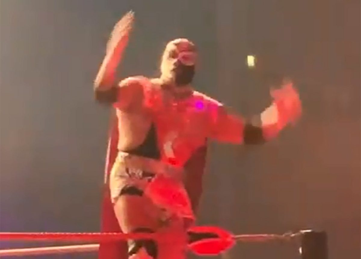 Editor Video Libre Mexican Wrestler Silver King Dies In The Ring During A Lucha Libre
