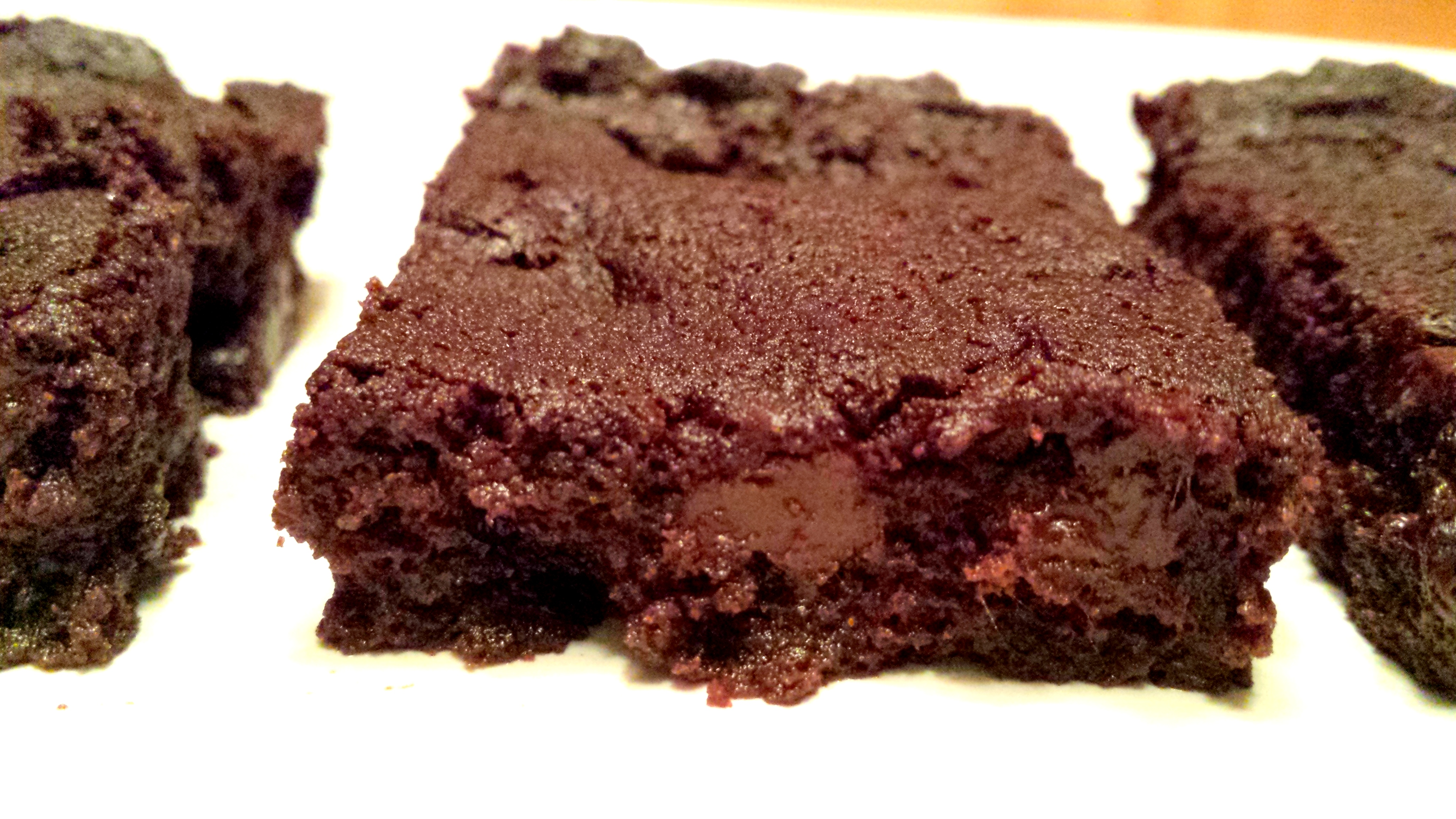 These are dairy free, nut free, sugar free, grain free, gluten free, flourless, low carb, paleo, and a THM S. And despite all that they taste amazing.