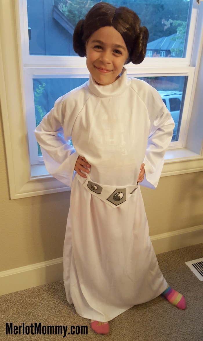 star wars princess leia costume at costume discounters merlot mommy. Black Bedroom Furniture Sets. Home Design Ideas