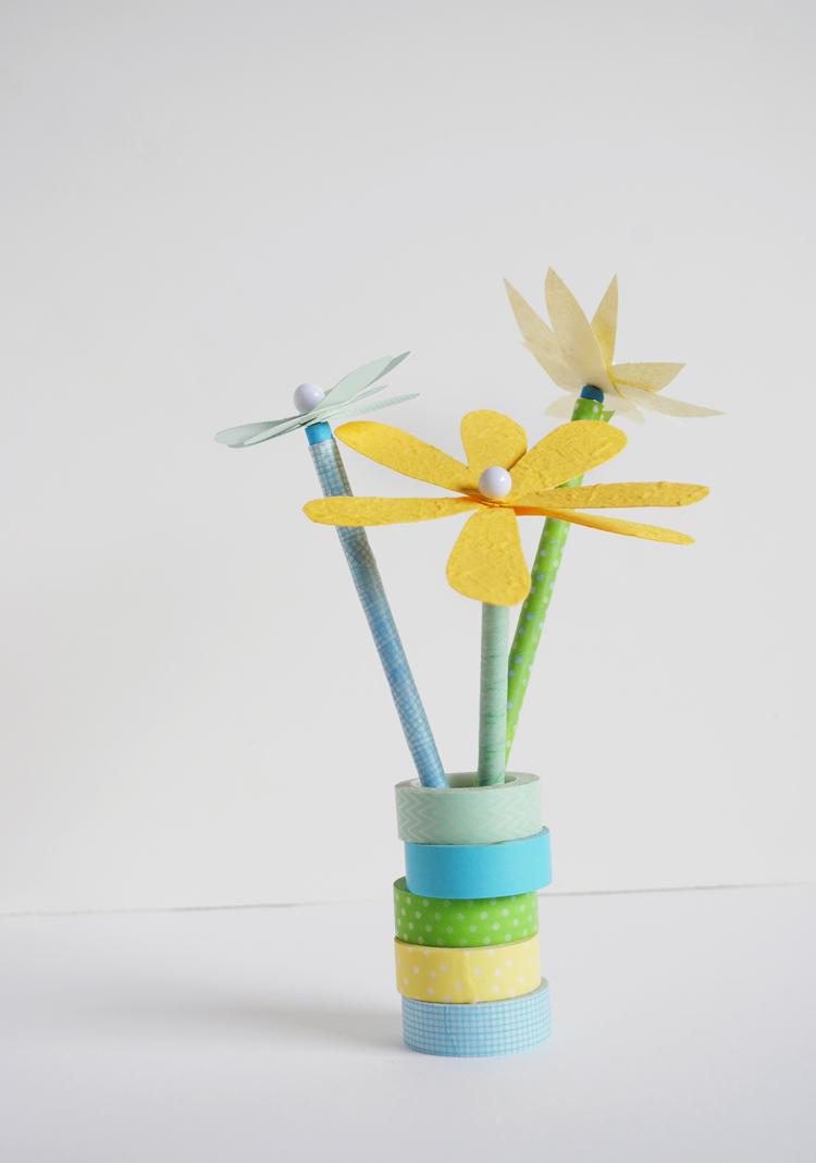 paper flower pencil topper