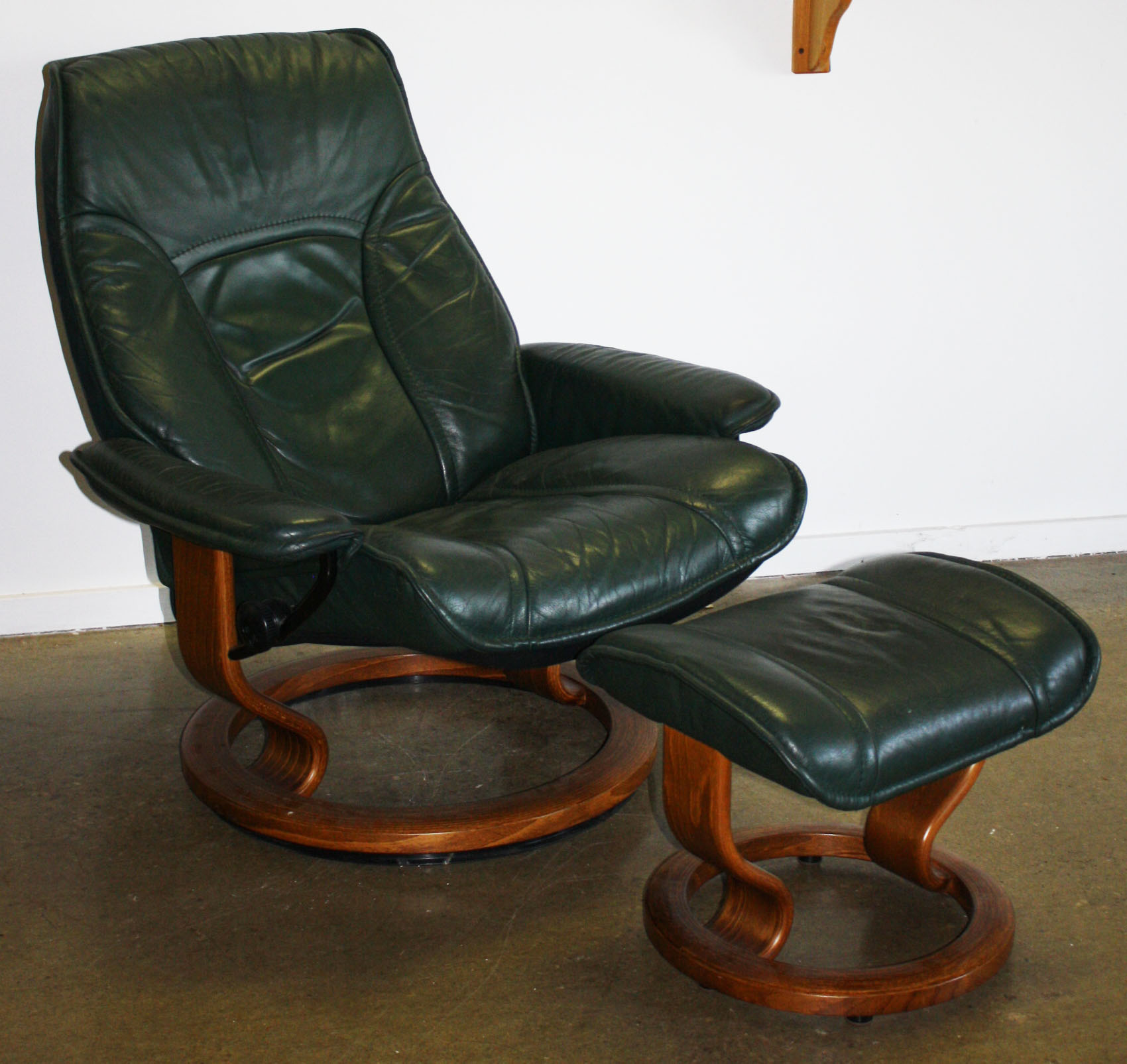 Ekornes Stressless Ekornes Stressless Lounge Chair Jpg Merrill S Auction