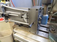 mitering with sputnik chain stay fixture