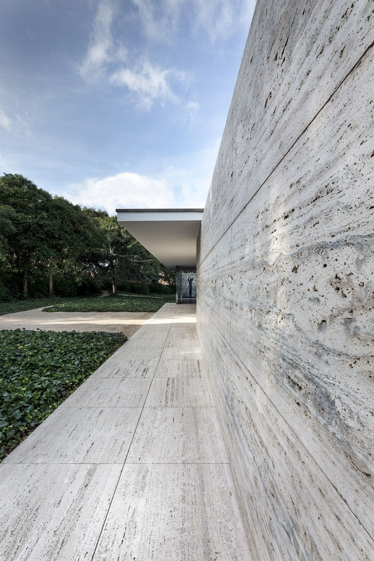 Van Der Rohe 30 Years Of Reconstruction Of The Mies Van Der Rohe Pavilion The
