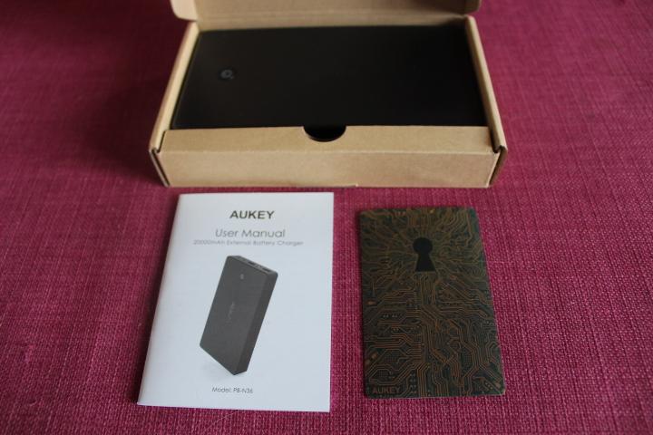 test-aukey-batterie-externe-20-000mah-12