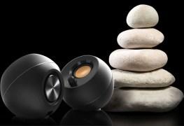 Creative Pebble blanche et noire