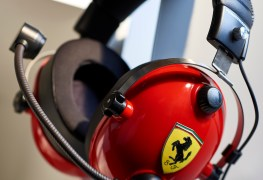 Thrustmaster T Racing Scuderia Ferrari Edition screen1