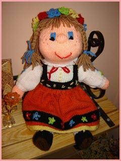 Фото вязаной куклы-украинки