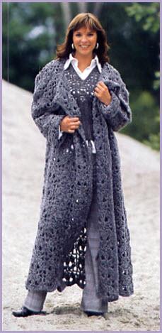 Экстравагантное вязаное пальто