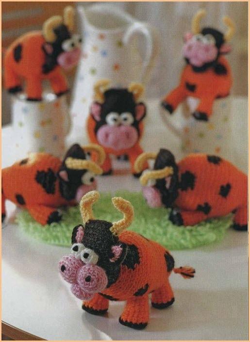 На фото вязаные бычки