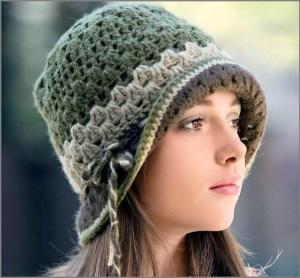 Вязаная шляпка в старинном стиле