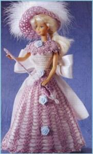 Кукла Барби в вязаном наряде