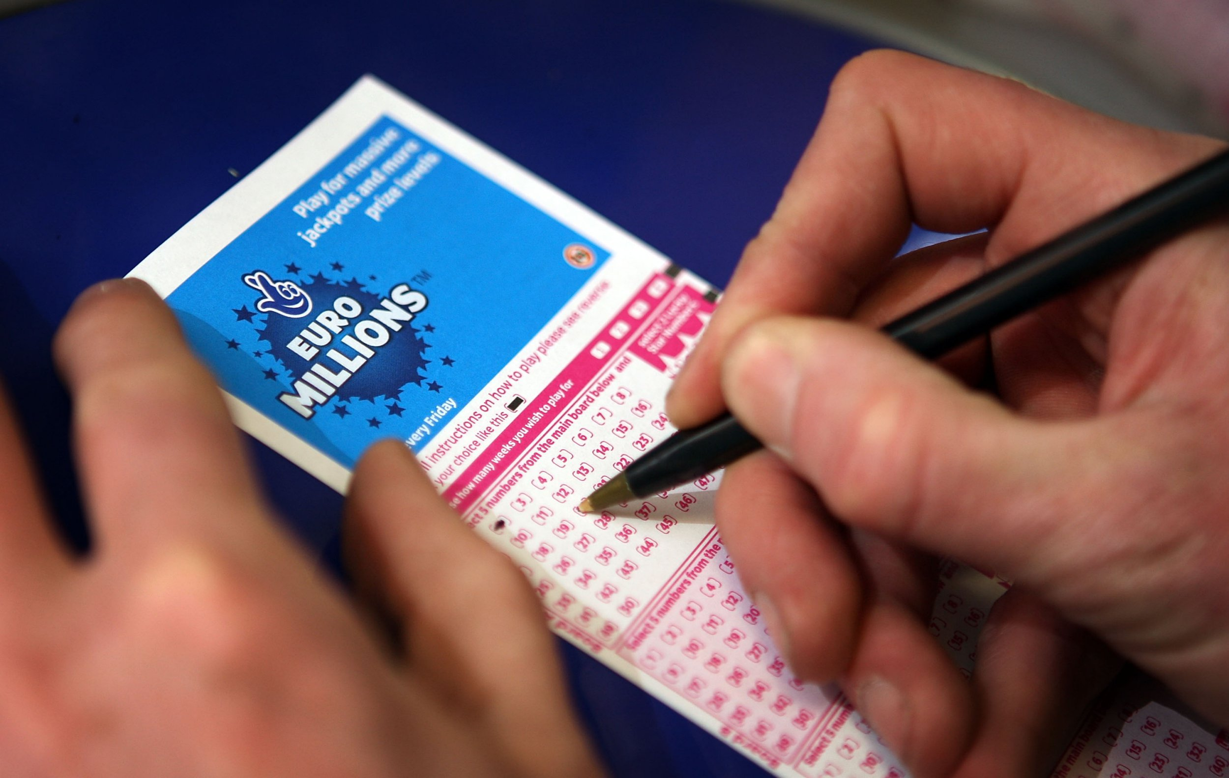 Lotto Euromillions Search For Missing 76 300 000 Euromillions Lottery Winner