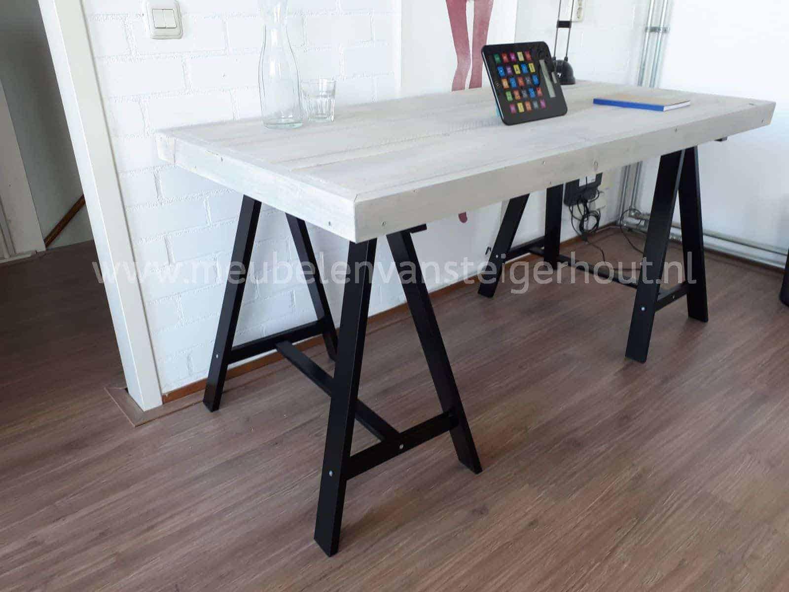 Steigerhout tafel schragen vierkante tafel voor thuis of horeca