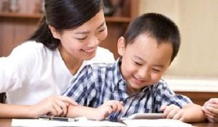 Các bậc làm cha mẹ luôn mong muốn và kỳ vọng con mình có khả năng sử dụng thông thạo ngoại ngữ ngay từ nhỏ.