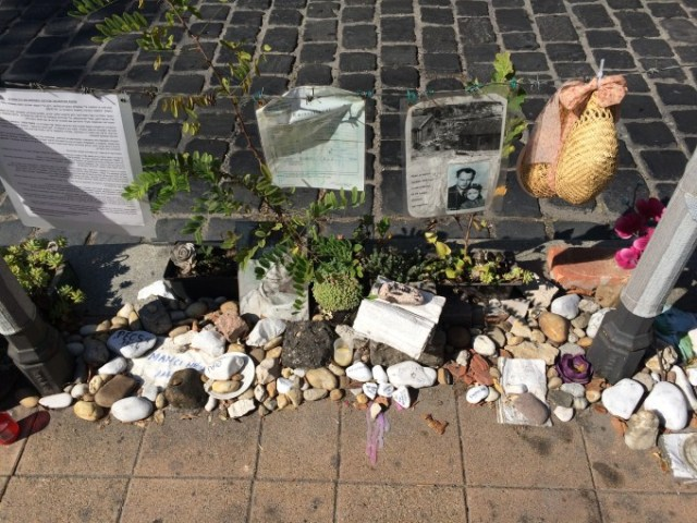 Stones and objects as part of the ongoing anti-monument of the Living Memorial, 2016. Photo by Lóránt Bódi