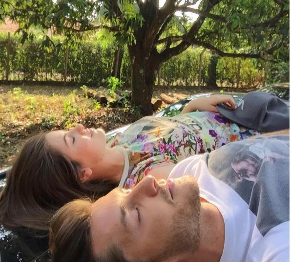 Camila Queiroz e Klebber Toledo (Foto: Reprodução Instagram)