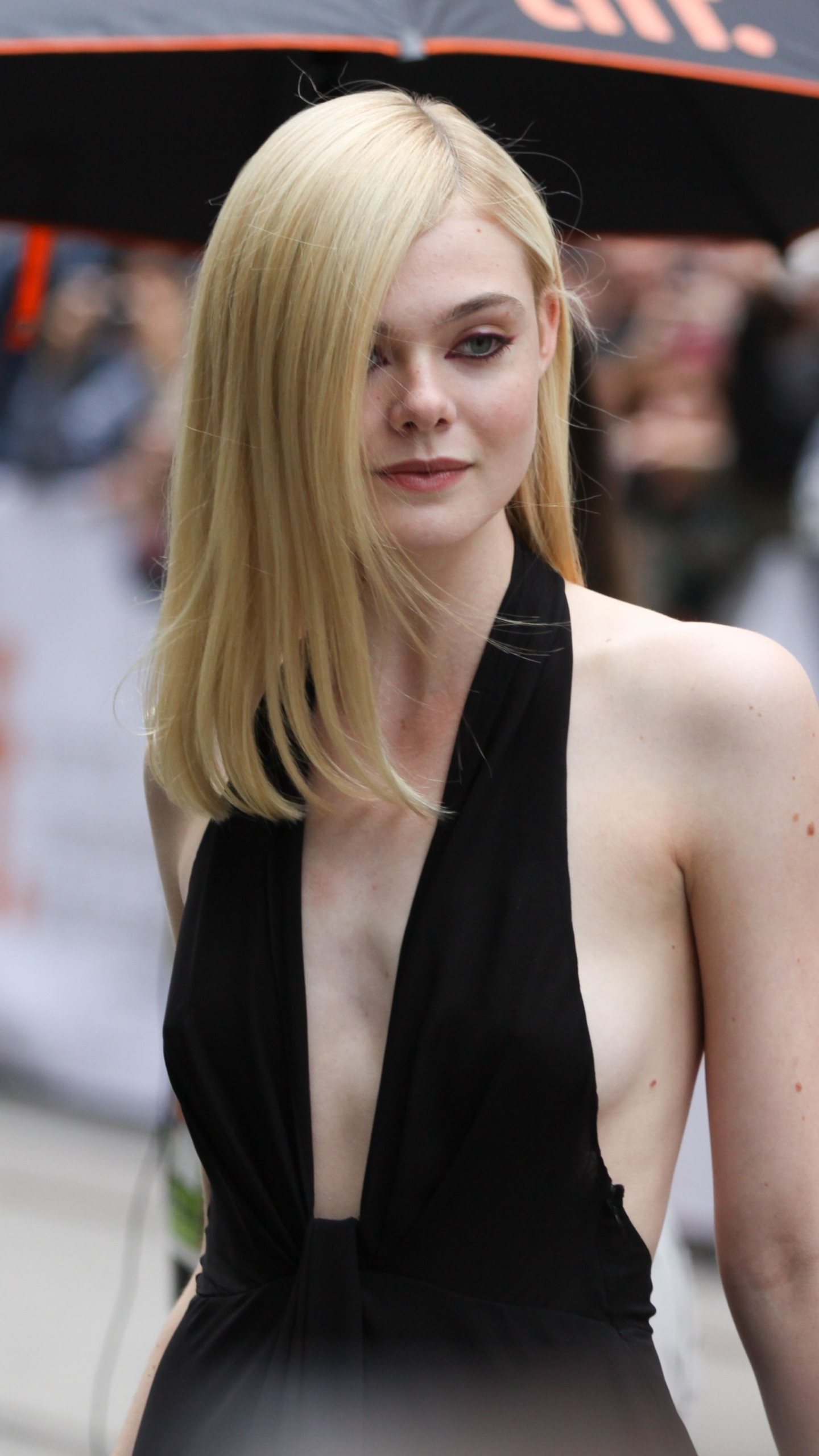 Iphone 5 celebrity elle fanning wallpaper id 622536