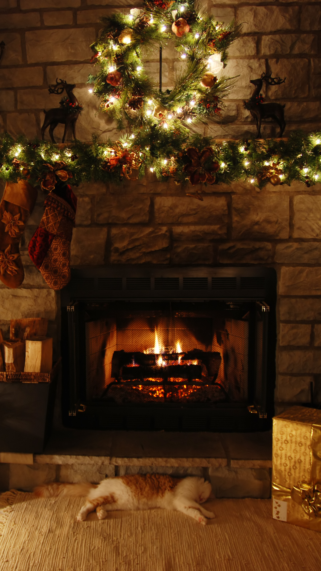 Christmas Fireplace Wallpaper Holiday Christmas 1080x1920 Wallpaper Id 704361 Mobile Abyss