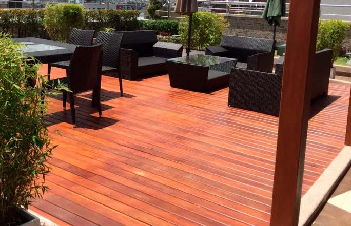Pisos deck de madera innovaci n inmobiliario for Pisos deck de madera