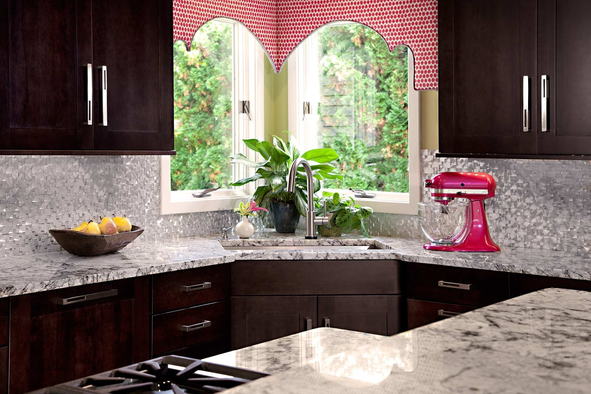 Kitchen Design Center York Pa 5 Solutions For Your Kitchen Corner Cabinet Storage Needs
