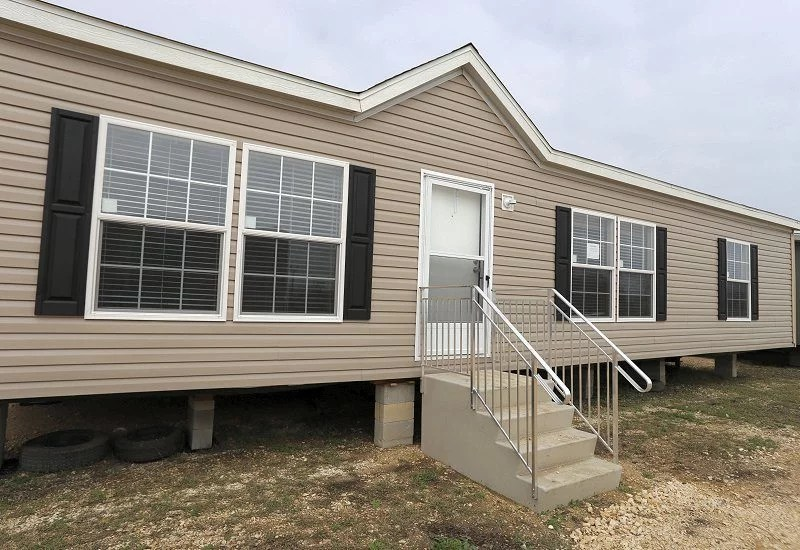Fleetwood Berkshire 32483b 3 Bed 2 Bath Mobile Home For Sale