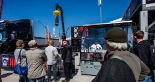 Hiab's revolutionary HiVision(TM) tested by 3,000 visitors at Bauma