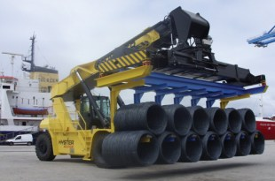 Hyster - Handling the heavy weight of the steel industry