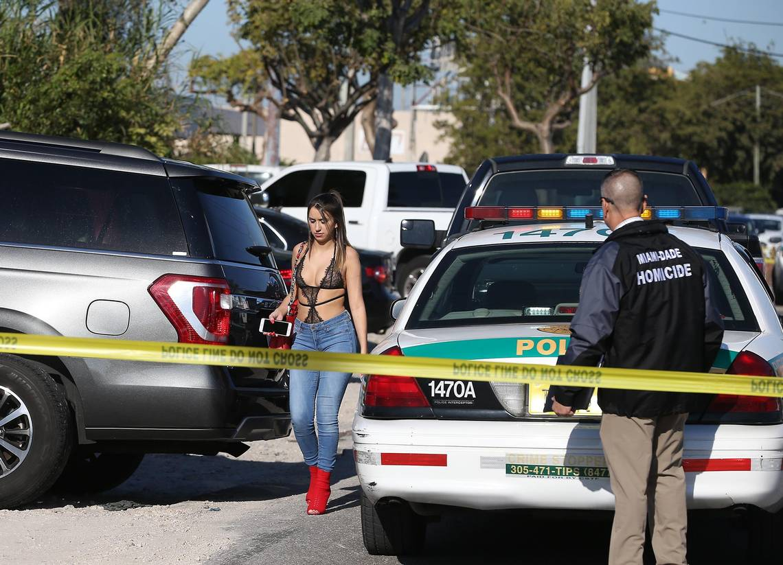 Strip Trap One Dead One Wounded In Shooting At Booby Trap Strip Club Miami