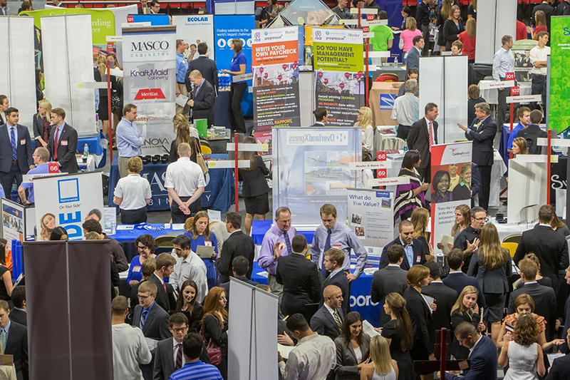 Career Fair 2015 Recruiters from nearly 300 employers focus on