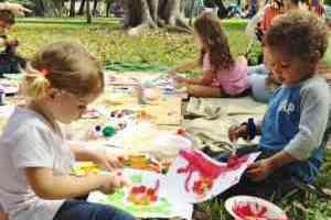 Free monthly art program for children