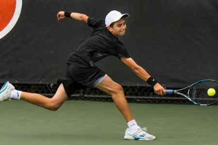 2155-JrOB15-16_-TennisUM
