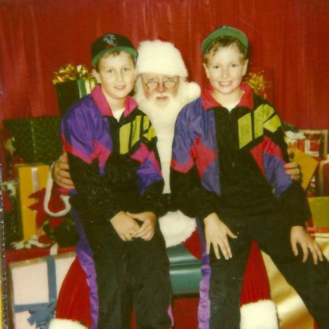 #tbt to that time @bretwp and I were #twinning with ol Kris Kringle. I seriously think we should recreate this pic come the holidays!