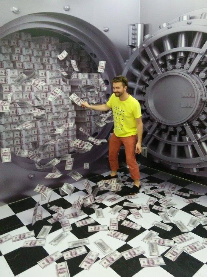 Michael's imaginary money