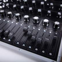 Blofeld Midi Controller