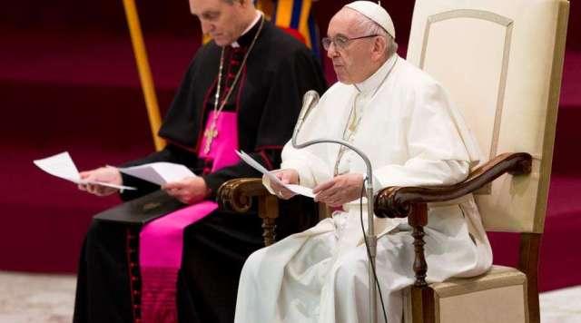 El Papa sobre su viaje: He visto en los jóvenes un futuro de fraternidad y no de armas