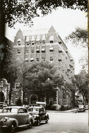 The Ellison Apartment Hotel at 300 West Armour in 1940.