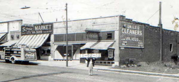 Sol's Market at 3305 Summit Street in 1940.