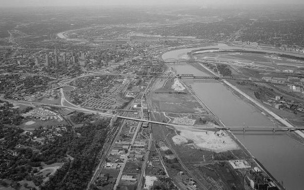 Aerial view of the Missouri Rive including the ASB, Paseo, and Broadway bridges. Courtesy Kansas City Public Library – Missouri Valley Special Collections.