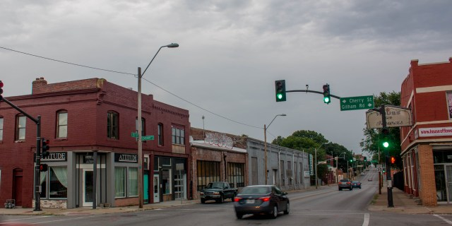 This block of 31st Street on the north side between Cherry and Holmes has always served a commercial purpose, but the rest of the block has gone through several changes as it was transformed from residential to business use. Now the area is again being transformed by new owners who are bringing the buildings back to life