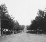 In the year 1905, Armour Boulevard was still a wide dirt road, but well-off Kansas City families were moving to the new area called Hyde Park and building modern new mansions.  This photo was taken that year along Armour looking east from Warwick.
