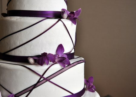1-W-purple-wedding-cake