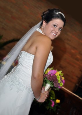 3-W-green-bay-wi-wedding-photographer-bride2