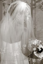 W-bridal-veil