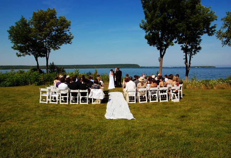 W-door-county-outdoor-ceremony