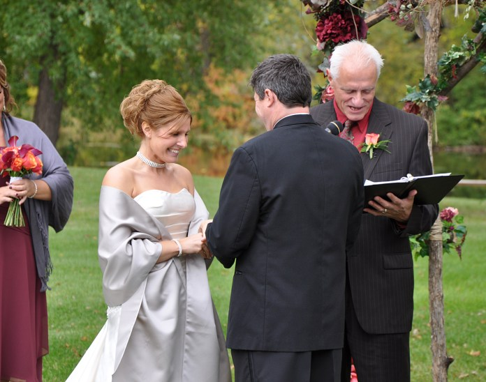 W-outdoor-wedding-wisconsin