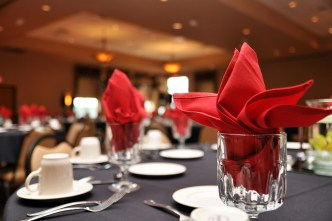W-red-reception-table-setting