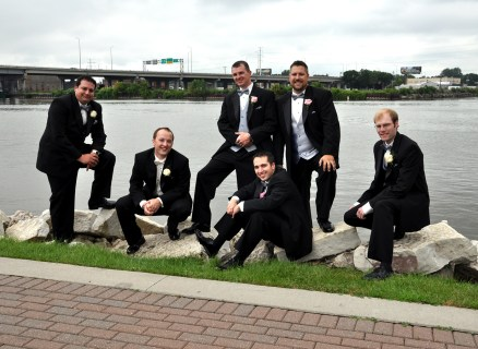 W-riverfront-green-bay-groomsmen