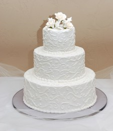 W-white-wedding-cake